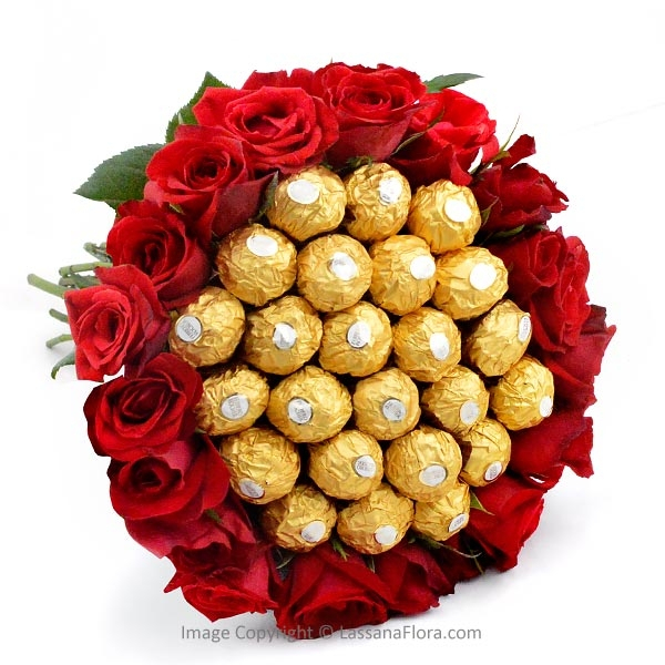 BIG BUNCH OF CHOCOLATES AND ROSES - Gift Packs - in Sri Lanka