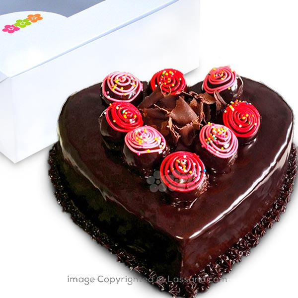 RUM BALL CHOCOLATE HEART GATEAU - 1kg (2.2 lbs) - Lassana Cakes - in Sri Lanka